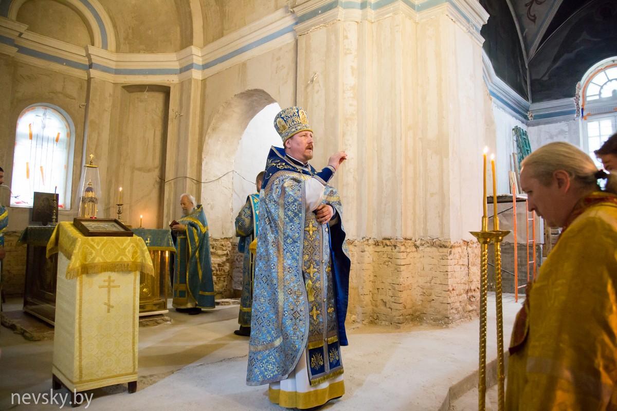 В Александро-Невском храме почтили праздник Успения Божией Матери