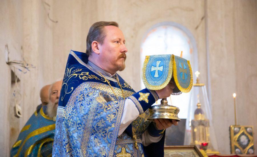 В  праздник Рождества Пресвятой Владычицы нашей Богородицы и Приснодевы Марии протоиерей Николай Коржич возглавил Литургию