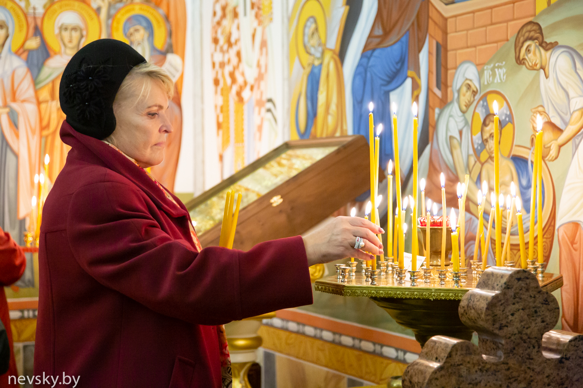 Храм святого благоверного князя Александра Невского посетила Анастасия Петровна Оситис