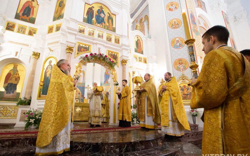 Настоятель Александро-Невского храма принял участие в торжестве по случаю 30-летия восстановления Витебской кафедры