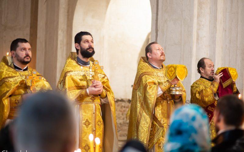 В Неделю 22-ю по Пятидесятнице протоиерей Николай Коржич возглавил Божественную литургию