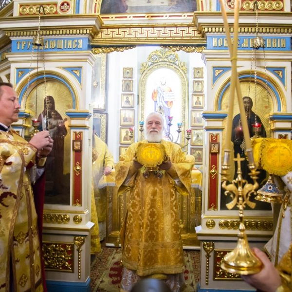 Митрополит Павел возглавит Божественную литургию в Александро-Невском храме